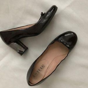 Anyi Lu pump - brown patent with multi heel